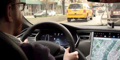 Se trata del nuevo sistema de piloto automático de esta compañía. Foto:Jalopnik/YouTube