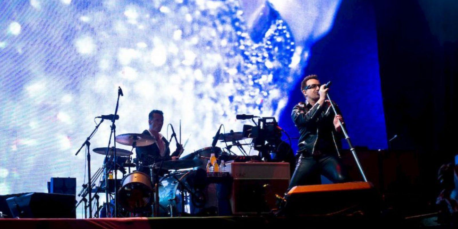 """Ambos subieron al escenario cuando sonaron los acordes de """"She Moves In Mysterious Ways"""" Foto:Getty Images"""