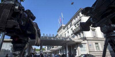 """El 27 de mayo fue un día """"negro"""" para la FIFA. En esa fecha, en las horas previas al arranque del 65º Congreso General del organismo en Zúrich, Suiza, fueron detenidos siete dirigentes de la FIFA por los delitos de corrupción, asociación delictiva, fraude y lavado de dinero. La detención fue mientras se hospedaban en el hotel """"Baur au Lac"""". Foto:AFP"""