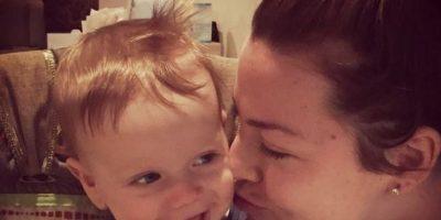 Ahora postea imágenes de ella y el niño en redes sociales. Foto:vía Amy Lee/Facebook