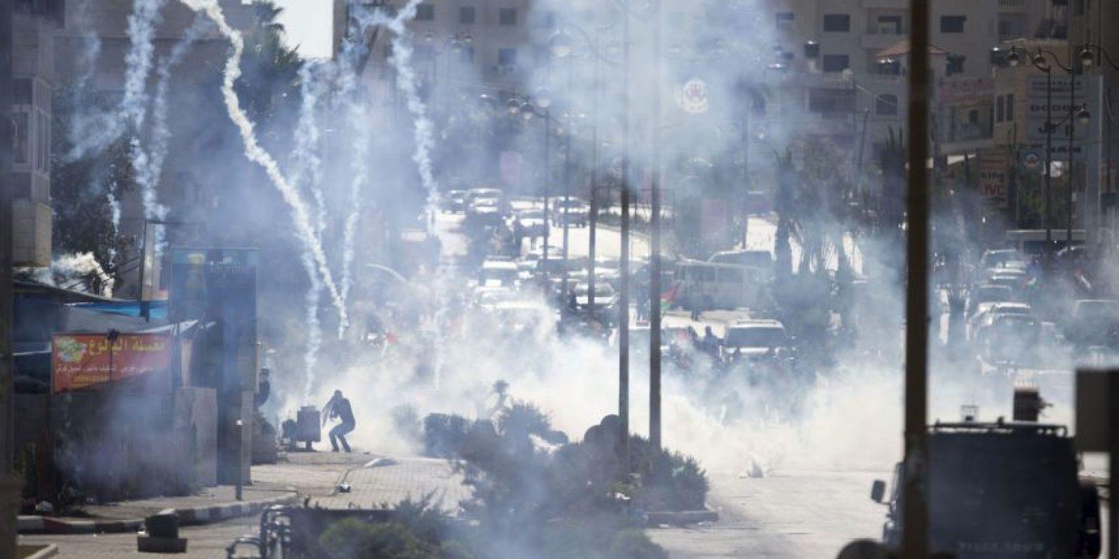 """2. Según la cadena """"CNN"""", esta escalada de violencia se va visto marcada por levantamientos, apuñalamientos y balaceras. Foto:AP"""