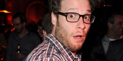 Seth Rogen bebió mucho y tenía un vuelo muy temprano en la mañana. Para curarse de la resaca, se comió un brownie de marihuana y luego una hamburguesa. Foto:vía Getty Images