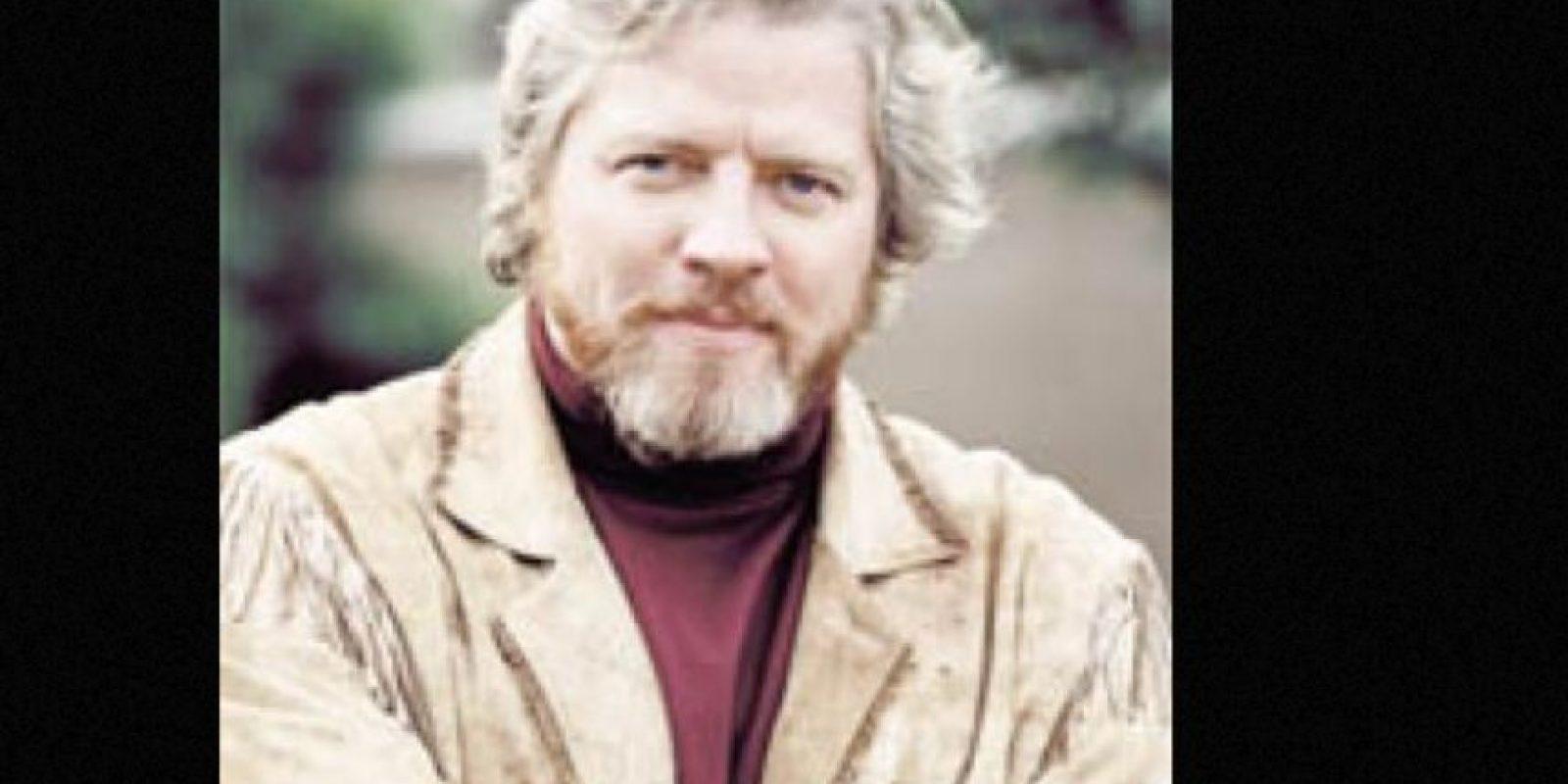 Tiene 56 años y ofrece show de comedia en diversos escenarios de California. Foto:vía IMDB