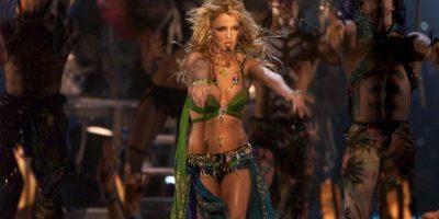 Video: Britney Spears sufre fallo de vestuario en pleno concierto