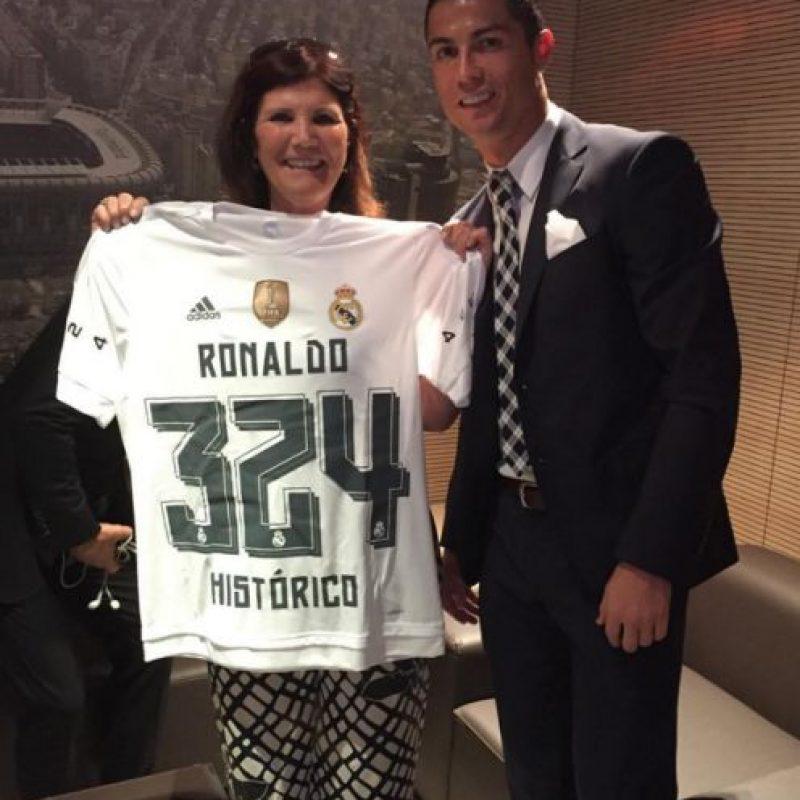 La inspiración de Cristiano Ronaldo es su familia. Foto:Vía instagram.com/doloresaveirooficial