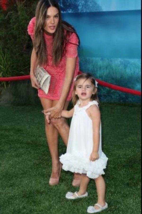 Alessandra Ambrosio y Anja Foto:Getty Images