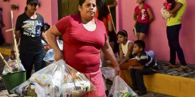 Decenas de personas han tenido que huir por la violencia Foto:AFP
