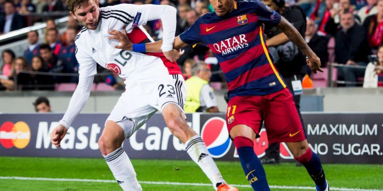 El club catalán está empatado en unidades con el Real Madrid y Celta de Vigo, pero cayó al tercer puesto por la diferencia de goles. Foto:Getty Images