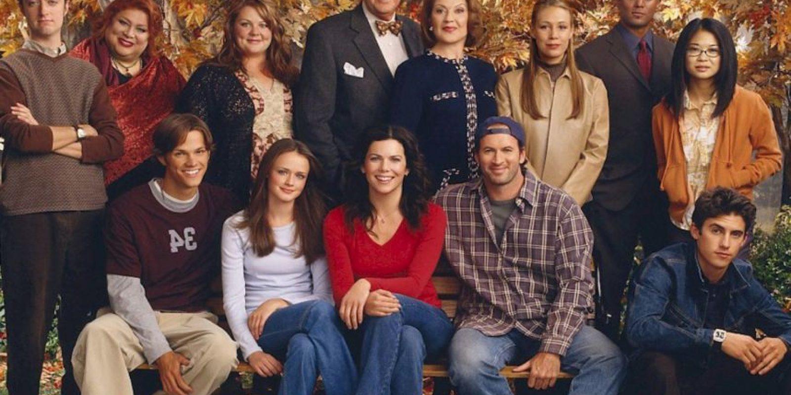 """¿Se acuerdan de """"Gilmore Girls""""? Esta serie retrataba la vida amorosa de """"Lorelai Gilmore"""", interpretada por Lauren Graham, y su hija """"Rory"""", interpretada por Alexis Bledel. Duró de 2000 hasta 2007. Foto:vía The CW"""