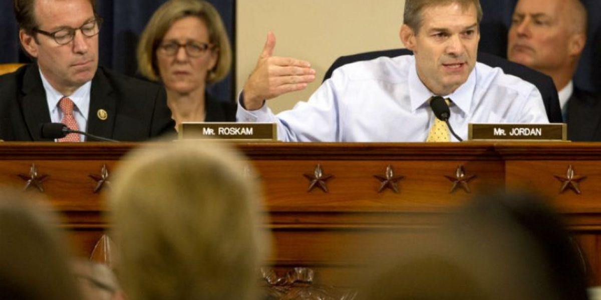 Bengasi: Clinton asegura que la diplomacia tiene riesgos