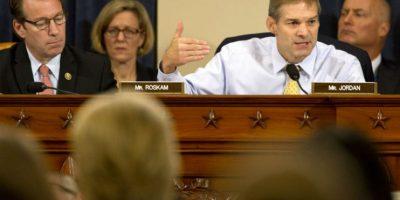 """Bengasi: Clinton asegura que la diplomacia tiene riesgos """"inevitables"""""""