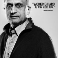 """Es fundador de la empresa de bebidas energéticas """"5-Hour Energy"""". Entre sus principales proyectos está crear mejores escuelas y hospitales en India Foto:Tumblr"""