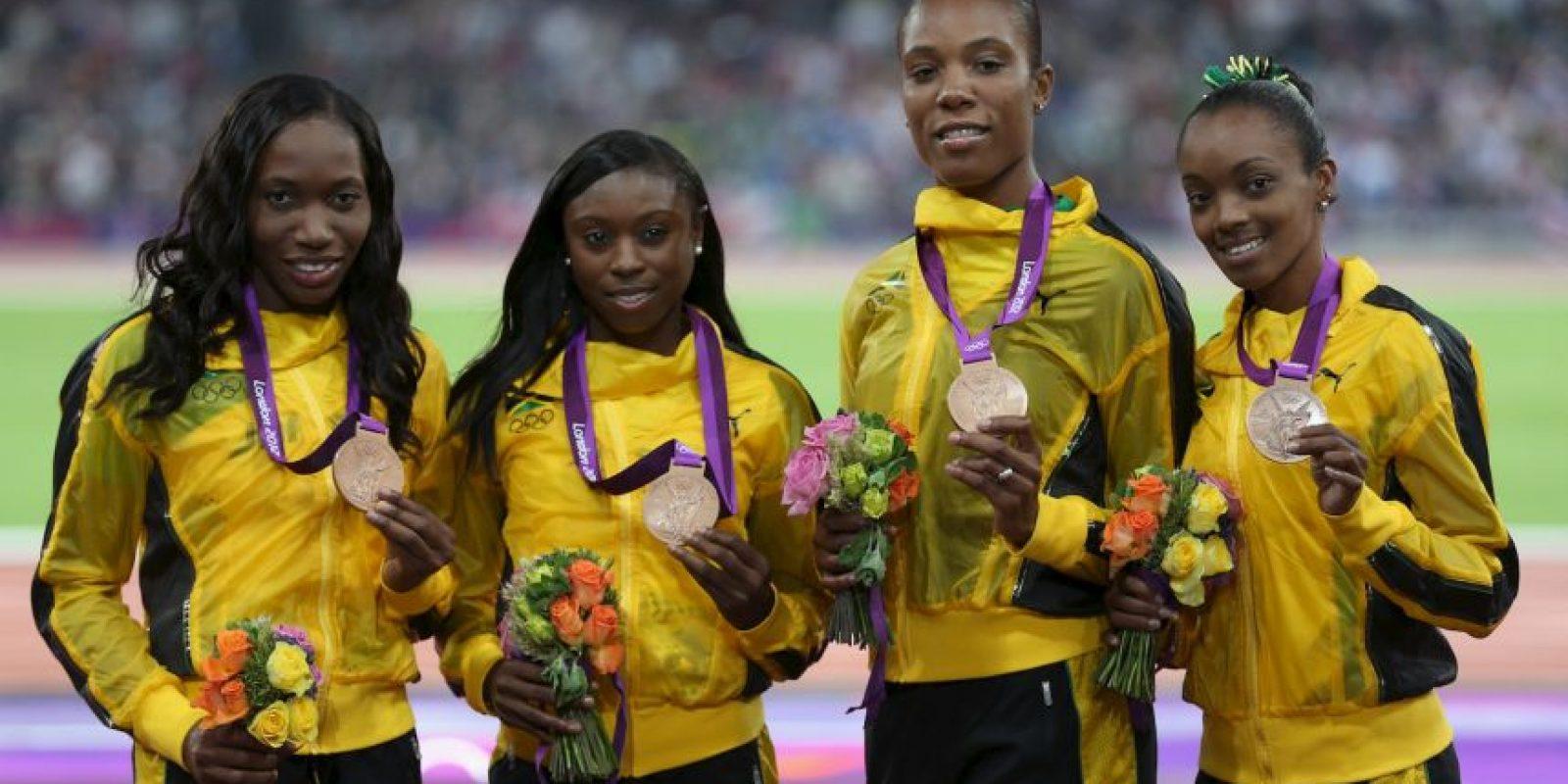 La velocista jamaiquina Novlene Williams Mills celebró en agosto de 2012 una medalla de bronce en los relevos 4×100 m junto con sus compañeras de equipo, pero su mente no estaba ahí. Tres días después fue operada a causa de un tumor cancerígeno en el pecho que le fue diagnosticado un mes antes de las competencias olímpicas y que mantuvo en secreto para no afectar a sus compañeros de equipo. La operación fue un éxito y en 2013 regresó a las pistas dispuesta a seguir compitiendo y cosechando medallas para su pais. Foto:Getty Images