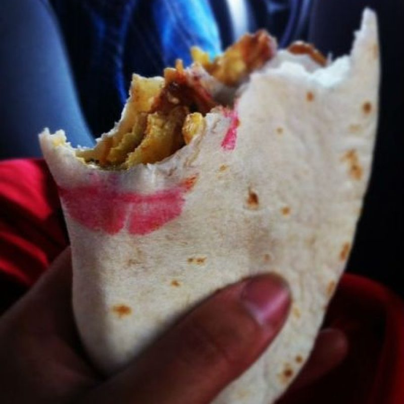 Y en más comida… Foto:Vía Instagram/#LipstickFail