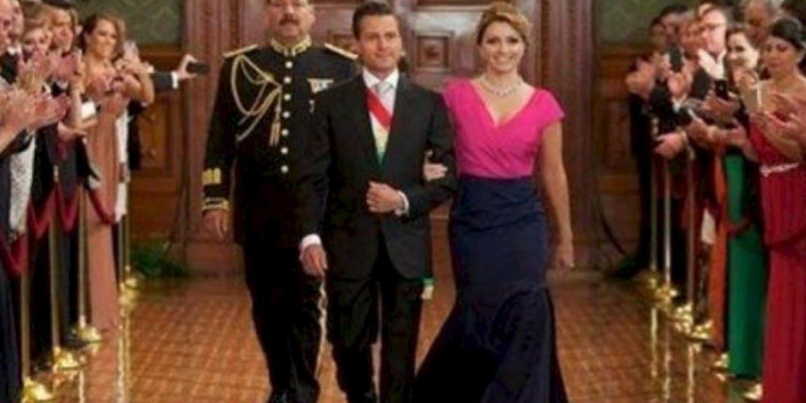 Angélica Rivera, la primera dama mexicana, ha causado polémica por el costo de sus looks. Foto:vía Getty Images