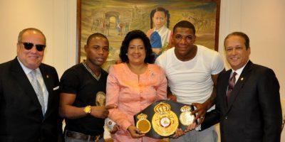El Abejón Fortuna y Valera fueron recibidos en el Senado de la República Dominicana