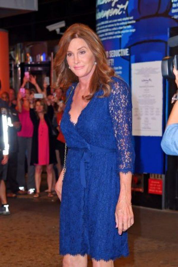 En julio, la estrella de la televisión también lució un vestido muy similar al que lució Kate Middleton en su compromiso. Foto:The Grosby Group