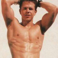 El actor incluso fue retratado con su pezón extra para campañas de moda. Foto:IMDB