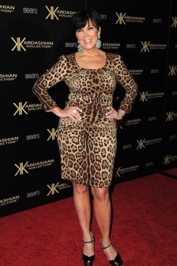 Sobre todo porque luce muy similar a este vestido de su exesposa, Kris Jenner Foto:Getty Images