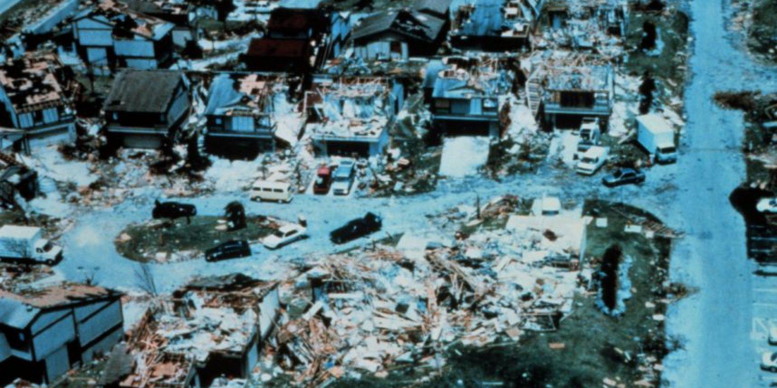 Huracán Andrew de 1992. Este fenómeno azotó a Estados Unidos y a Las Bahamas. 26 mil millones de dólares en perdidas y 23 muertos. Foto:Vía Wikimedia Commons