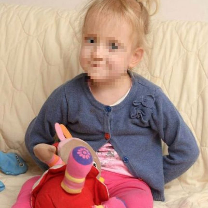 Su madre biológica sufrió problemas serios durante el embarazo y decidió darla en adopción. Foto:Vía Julian Hamilton