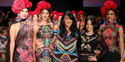 Giannina Azar y su fantasía Maya. La consagrada diseñadora y su hija Gabriela presentaron un derroche de color y detalle en su artesanal propuesta de inspiración maya. Foto:Feddy Cruz