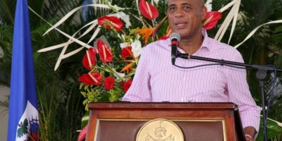 Michel Martelly acude a votar