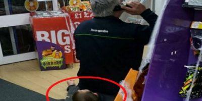 Así lucía Adrian sobre el ladrón. Foto:Vía Facebook