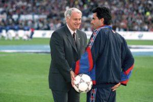 Todo comenzó en 1996, cuando Mourinho llegó al Barcelona como asistente de Bobby Robson, nuevo entrenador del club catalán. Foto:Getty Images
