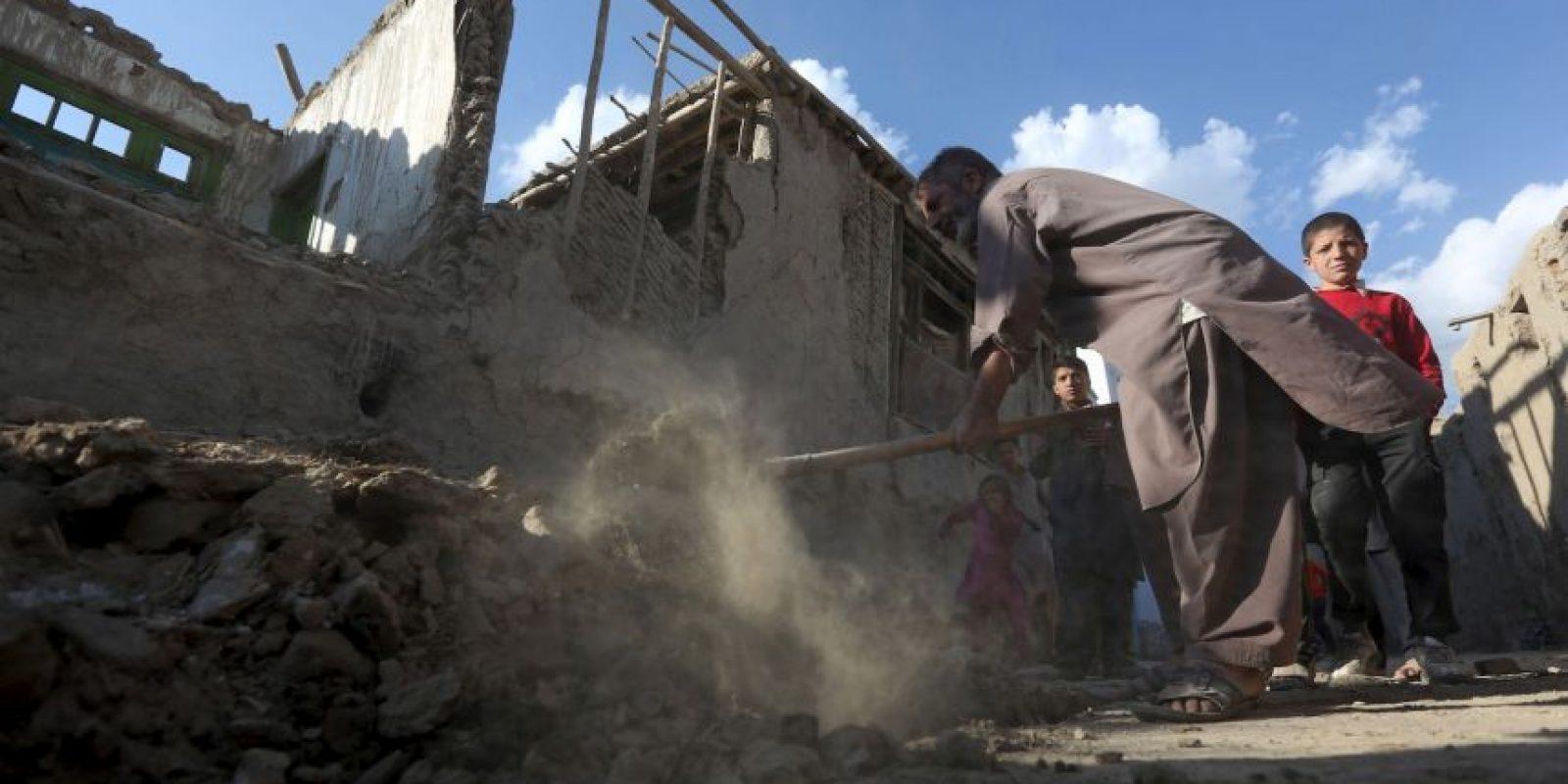 Mientras tanto, se siguen evaluando los daños en Kabul Foto:AP