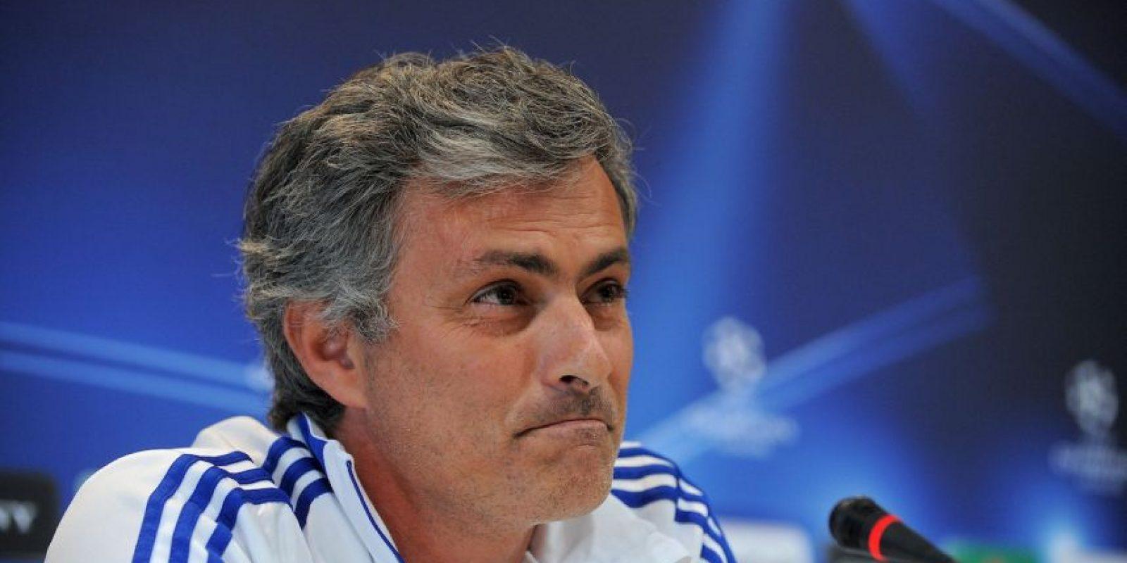 """En 2011, Mourinho criticó a Pep Guardiola y aseguró que sus triunfos eran porque los """"árbitros ayudaban al Barcelona"""": """"Gané dos Ligas de Campeones en el campo con dos equipos que no eran el Barcelona. Con el Oporto, de un país que normalmente no ganaba, y con el Inter, que no la ganaba desde hacía 50 años y no era candidato. Ganamos con trabajo, orgullo, esfuerzo y sudor"""", expresó """"Mou"""". Foto:Getty Images"""