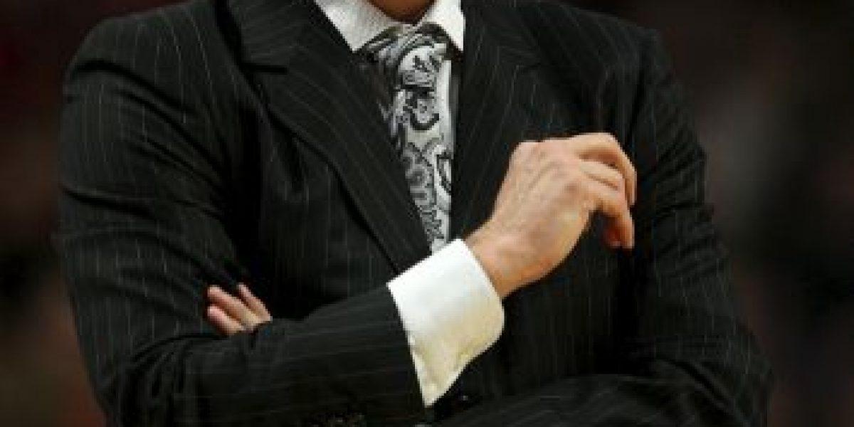 La NBA le rinde emotivos tributos en redes sociales al coach de los Timberwolves