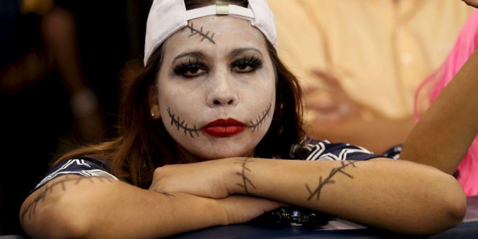 """Esta seguidora de los Cowboys de Dallas llegó al estadio con muchas """"heridas"""". Foto:Getty Images"""