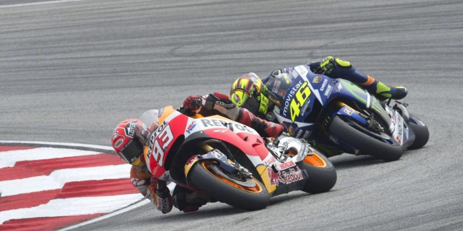 El nueve veces campeón del mundo provocó la caída de Márquez, actual campeón del mundo. Foto:Getty Images
