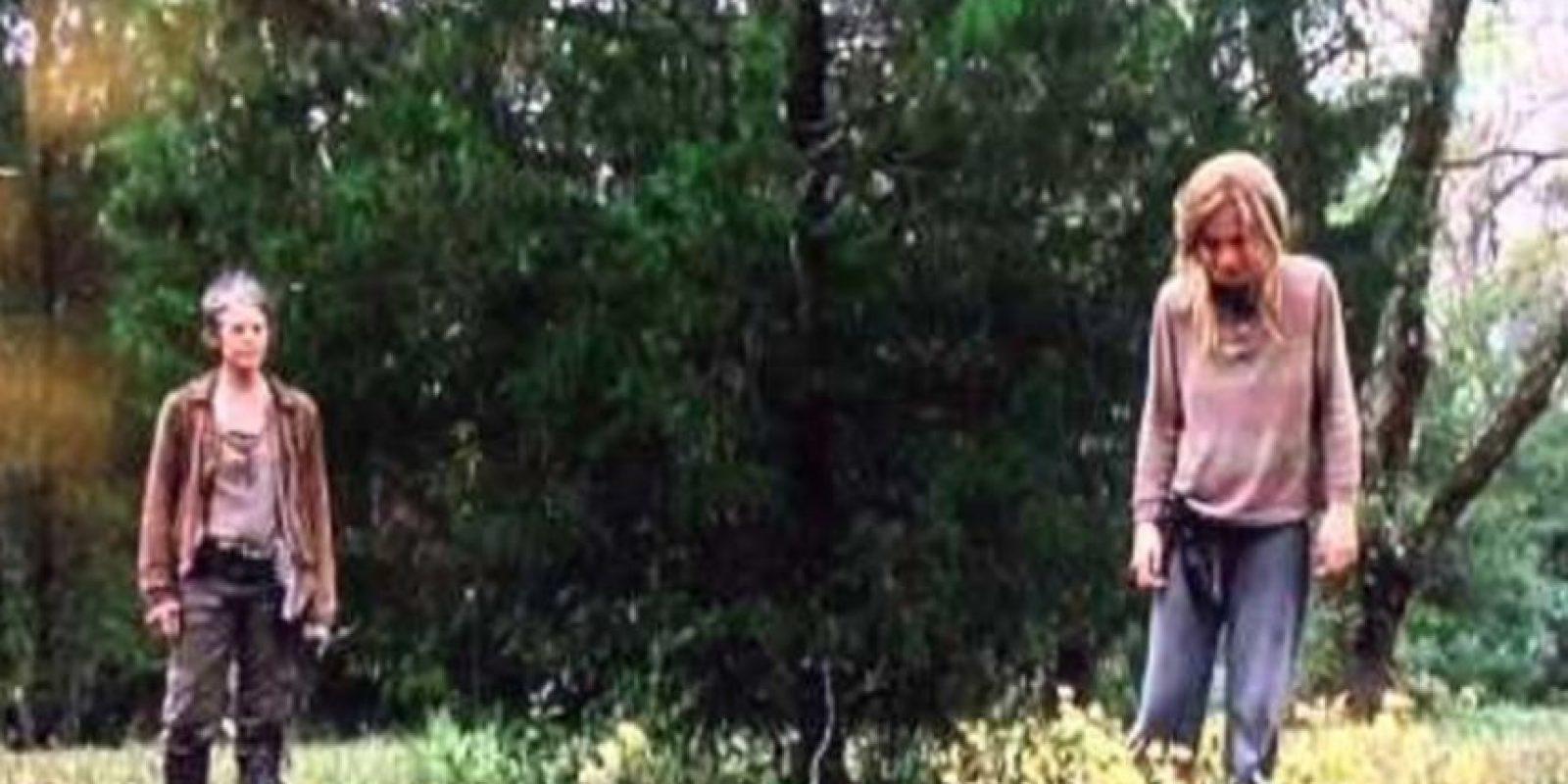Los conflictos mentales que se plantea Lizzie sobre la muerte provocan que asesine a su hermana menor. Carol posteriormente la ejecuta Foto:AMC