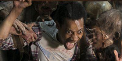 El joven muere al ser atacado por un grupo de caminantes Foto:AMC