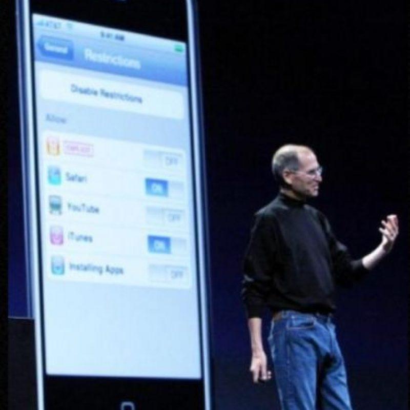 Steve Jobs presentó el iPhone 3G en la WWDC el 9 de junio de 2008. Foto:Getty Images