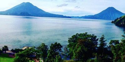 Está rodeado de tres impresionantes volcanes. Foto:instagram.com/yo.diego