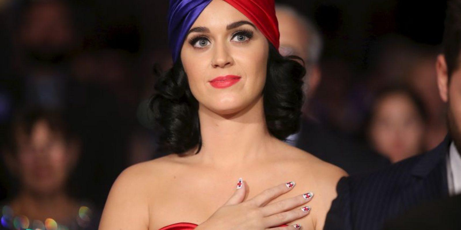 Katy Perry homenajeó al fallecido líder del grupo rock Queen Foto:Getty Images