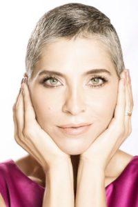 La actriz tuvo cáncer. Ahora se recupera e inspira con su historia. Foto:vía Revista Aló