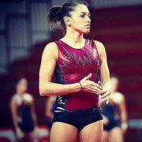 Ella es la gimnasta más linda de Rumania Foto:Vía instagram.com/larisa_iordache