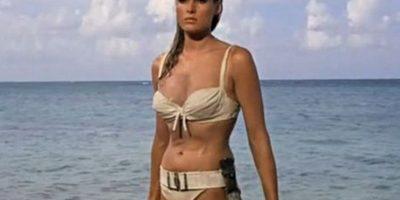 Ursula Andress fue la primera chica Bond Foto:Vía imdb.com