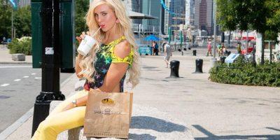 Es hija de Ric Flair, exluchador profesional y miembro del Salón de la Fama de la WWE. Sus hermanos también son luchadores: David y Reid Flair. Foto:WWE
