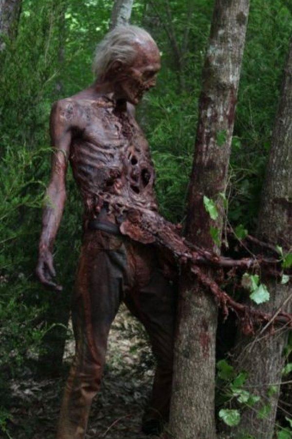 """8. ¿A qué sabe la carne que comen los zombie en """"The Walking Dead""""? Foto:AMC"""