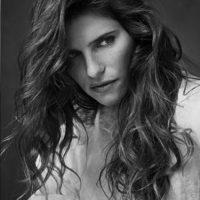 La supermodelo está a punto de cumplir cinco décadas. Foto:vía instagram.com/offcamerashow
