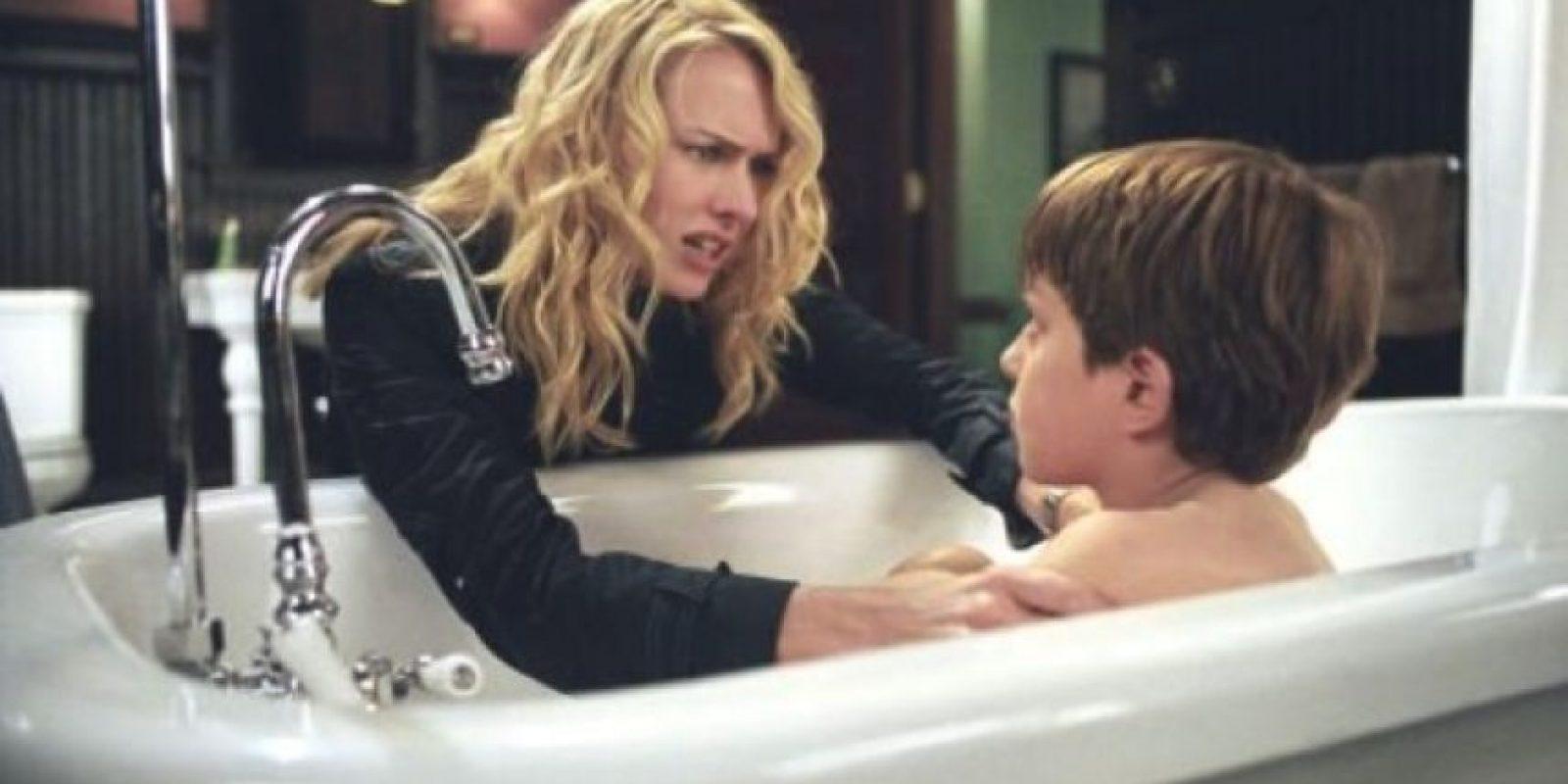"""El hijo de """"Rachel Keller"""", una periodista que intentaba aclarar el misterio tras un video que mataba personas en siete días. Foto:IMDB"""