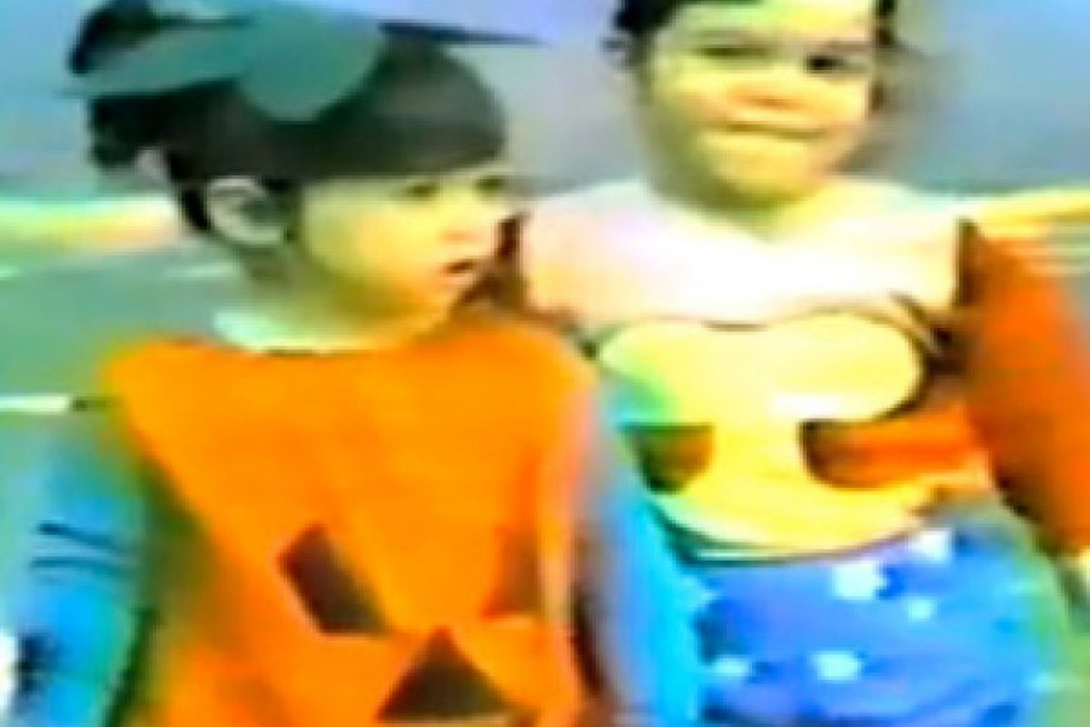 Estas hermanas no se imaginaban que un día serían las más famosas de la televisión Foto:vía kimkardashian.celebuzz.com
