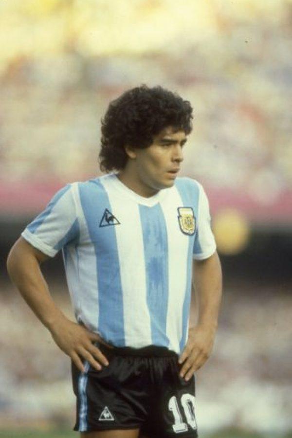 """Un año después debutó en la selección de Argentina y aunque jugó varios partidos con la camiseta """"albiceleste"""" no fue convocado por César Luis Menotti para el Mundial de 1978 por su juventud. Foto:Getty Images"""