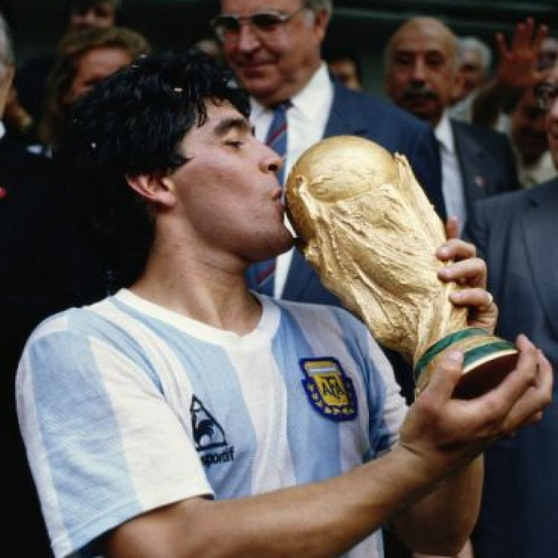 Su consagración llegó en 1986, en el Mundial de México. En esta Copa del Mundo marcó cinco goles y dio cinco asistencias. Foto:Getty Images