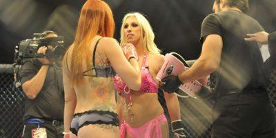 Solo que las peleadoras luchan en lencería Foto:Vía facebook.com/lfcfighting